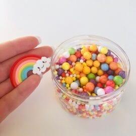 111419 DIY Charms Rainbow + Plastburk Med Skruvlock