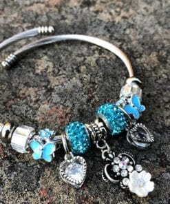 Armband med charms