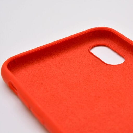 HS Silicon Case iPhone inside