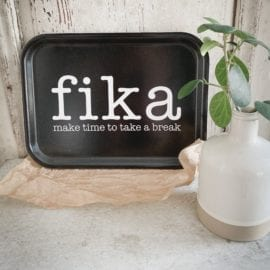 Bricka Rektangulär Liten Make Time fika Svart - Mellow Design