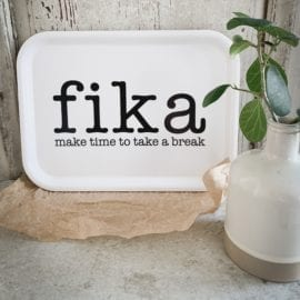 Bricka Rektangulär Liten Make Time fika Vit - Mellow Design