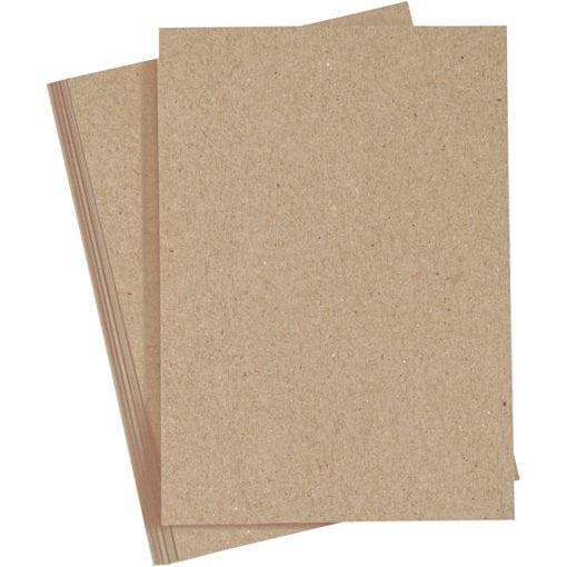 Enfärgat papper i bra kvalitet. För pyssel och dekoration