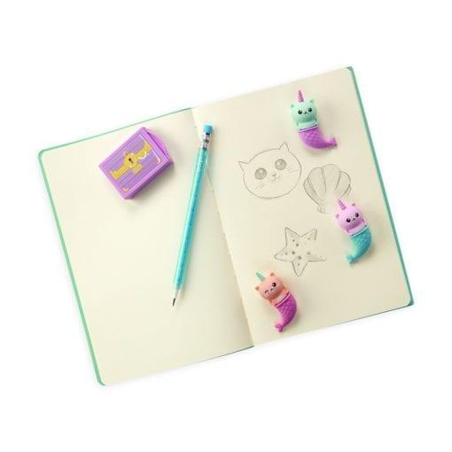 112430-3 OOLY Luktsudd Mew-Maid Treasure Vanilla Cupcake Scented Erasers