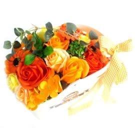 112708-1 Ancient Wisdom Tvålblommor Orange Bukett Presentkorg