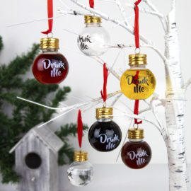 102891 Gift Republic Julgranskula Fillable Christmas Baubles1