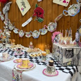 112908-2 Talking Tables Buffébord - Truly Alice