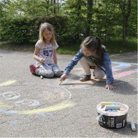 113105 Gatukritor Jumbo Street Chalks Mixade Färger 50 st i Hink