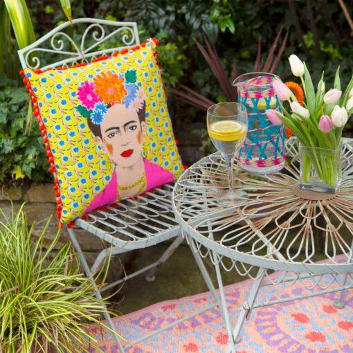 113432-1 Talking Tables Prydnadskudde Boho Gul Tassel Frida Kahlo™