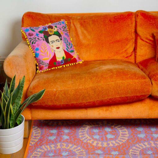 113433-1 Talking Tables Prydnadskudde Boho Rosa Tassel Frida Kahlo™