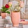 Sass & Belle Vas Rosa Abstrakt Ansikte – Plaster & Clay