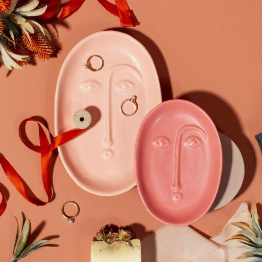 Sass & Belle Smyckesfat Abstrakt Ansikte